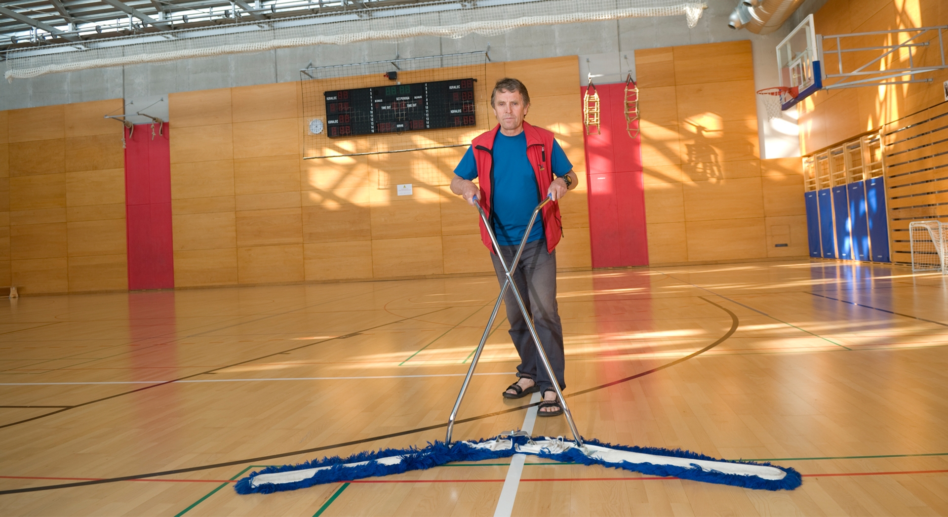 5 essential steps for maintaining your sports floor