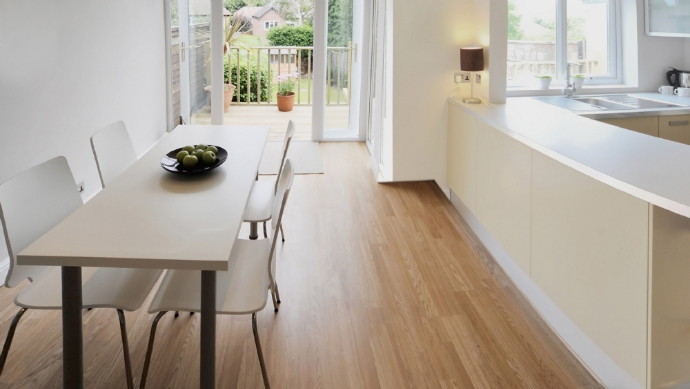 How to choose the right type of floor varnish?
